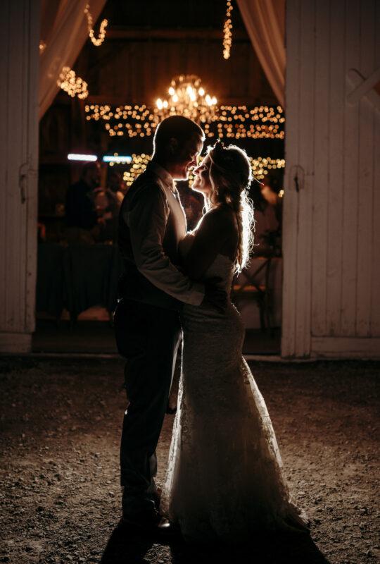 Barn wedding ideas - Michigan wedding photographers - weddings at Vale Royal Barn