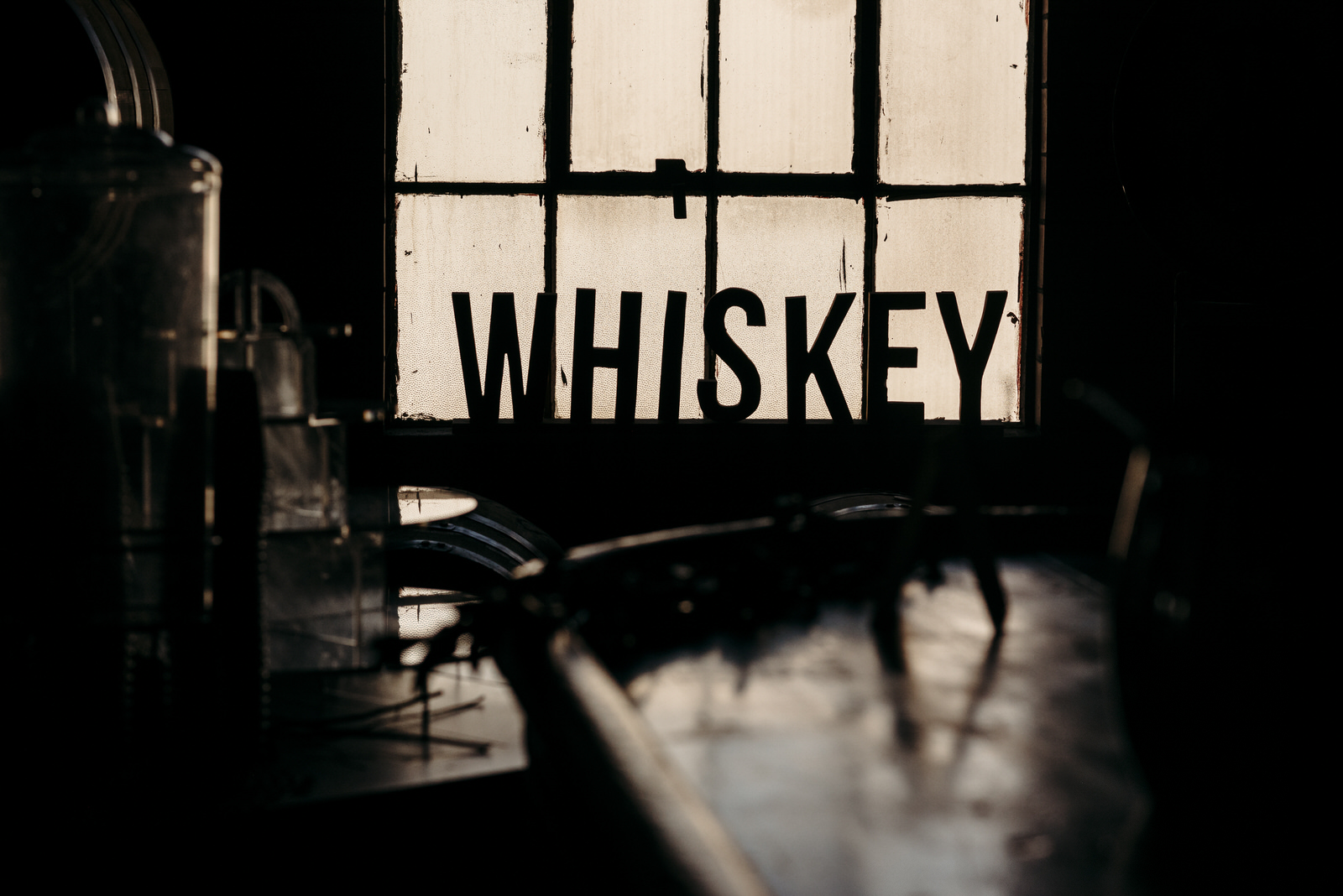 Michigan Wedding photographers | Detroit wedding at the Whiskey Factory